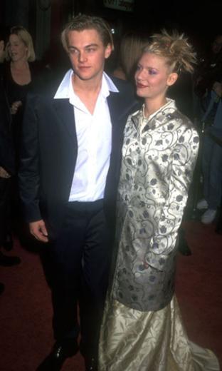 Claire Danes de Leonardo Dicaprio'nun ilişki yaşadığı ünlülerden biri. O da aktörün kuşağından 1979 doğumlu.
