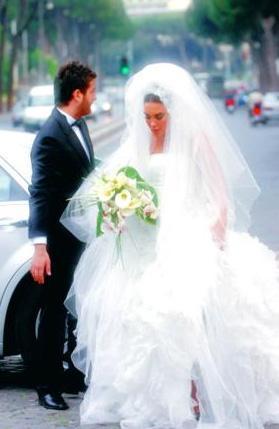 Boşanma söylentilerinin çıktığı andan itibaren taraflar da basın aracılığıyla birbirlerinin özel dünyalarını açığa vurmaya başladılar.