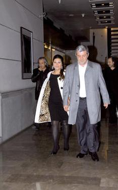 Can'ın 10 yıllık eşi Aksüt'ü kasasını boşaltmakla suçlayarak açtığı boşanma davası yaklaşık 1.5 yıl sürdü.