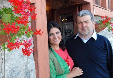Çift, 14 Eylül 2010'da resmen boşandı. Kanlı bıçaklı olan Sibel Can ve Sulhi Aksüt, beş ay aradan sonra barıştı.