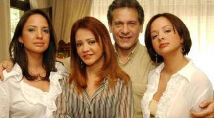Türk pop müziğinin ustalarından Neco ile eşinin boşanması da magazin gündemini uzun süre meşgul etti.