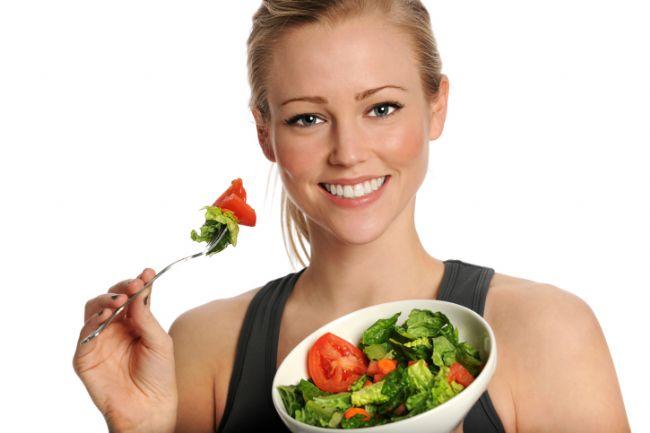 Küçük porsiyonlar tüketin: Açık büfede veya evinizde küçük tabaklarda yemek yemeye çalışın.