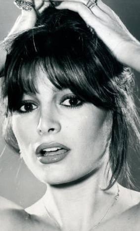AJDA PEKKAN  Pop müziğimizin ikonu, süper starı Ajda Pekkan... Her zaman bakımlı, her haliyle güzel...