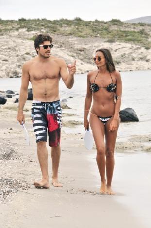 İkoncan Eda Taşpınar ile milli sörfçü Bora Kozanoğlu'nun aşkı doludizgin devam ediyor.