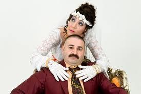 """""""TÜRK MALI"""" KOMEDİ  Bir dönem ekranda fırtına gibi esiyordu Türk Malı dizisi. Elbette baş karakterleri Abiye ve Erman da."""