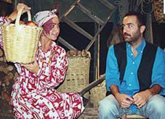 FERİŞTAH YENGE'NİN FANTEZİLERİ Bir Demet Tiyatro'nun unutulmaz karakterlerinden biri de Feriştah Yenge'ydi.