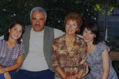 YERİNİ ALİ RIZA BEY ALDI 80'lerin en çok izlenen dizilerinden biri de Baba Evi'ydi.