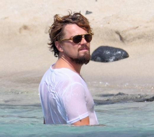 Bazen kiraladığı lüks teknelerle Akdeniz turuna çıkan DiCaprio bu yıl ise Hawai tatilini tercih etti.