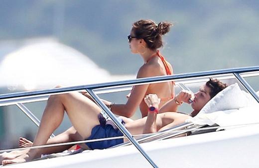 Ronaldo, bu yıl tatilini nişanlandığı söylenen Irina Shayk ile St. Tropez'de geçirdi.