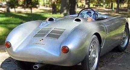 Beckham çiftinin oğullarına aldığı Porsche marka bu oyuncak araba uzun süre konu edilmişti.