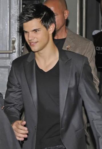 24 yaşındaki Taylor LautneR'ın kazancı 26.5 milyon dolar.