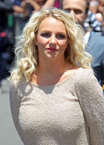 Britney Spears'ın garip isteklerinden biri de dört adet patates salatası.