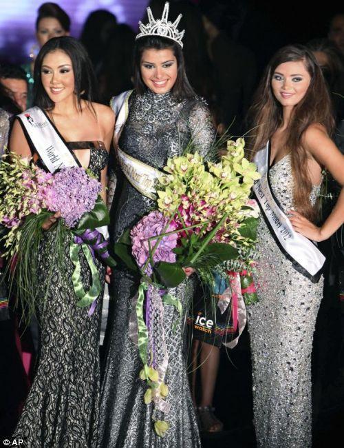 Lübnan'ın başkenti Beyrut'ta pazar akşamı düzenlenen yarışmada Sırp Mina Milutinovic dünyanın en güzel mankeni seçildi.