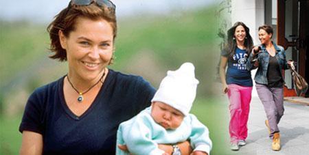 Zehra Çilingiroğlu  Hülya Avşar ile Kaya Çilingiroğlu 'nun tek çocukları. 1998'de dünyaya geldiği andan itibaren göz önünde olan Zehra'nın kilo alması, vermesi, tenis oynaması, huysuzlukları 15 yıldır hep haber...
