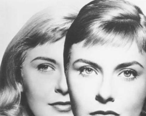 """16-Eve White / Eve Black / Jane (Joanne Woodward) (Üç Ruhlu Kadın / The Three Face of Eve) (1957):   Joanne Woodward'a üç karakterli performansıyla Oscar getiren film, bizde """"Üç Ruhlu Kadın"""" adıyla bilinir. Bir kadının çoklu kişilik bölünmesi hastalığıyla sarsılıp dağılan yaşamının öyküsüne uzanır.   'Gerçek mi değil mi?' ya da 'sonunda doktora ne yapacak?' kuşkularıyla izlediğimiz yapıt, oyuncunun 'dengeli' performansından güç almıştır fazlasıyla. Böylece sinema tarihine kazınan bir performans armağan etmiştir sinefillere..."""