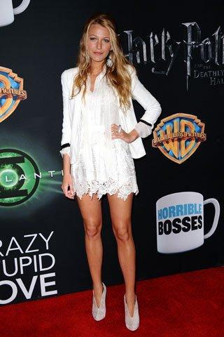 Blake Lively'nin şık ve bir o kadar rahat stili herkesi kıskandırıyor. Blake Lively'nin kıyafetlerine göz atmaya ne dersiniz?