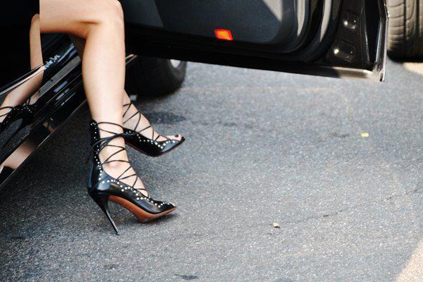 İp detaylı ince topuklu ayakkabı