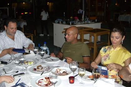 Bir yandan dil okuluna giderken, 2002'de hayatını değiştiren adamla yani Seyfülislam Kaddafi'yle tanıştı.