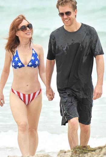 Kathy Griffin genç sevgilisiyle tatil yaparken objektiflere takıldı.