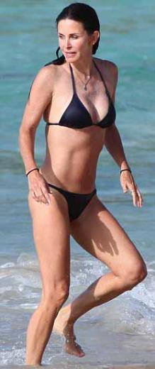 Bikini her yaşta giyilir - 43