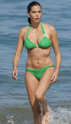 Bikini her yaşta giyilir - 52