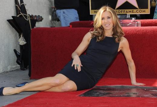 Umutsuz Ev Kadınları'nın zengin ettiği ünlülerden biri de Felicity Huffman.