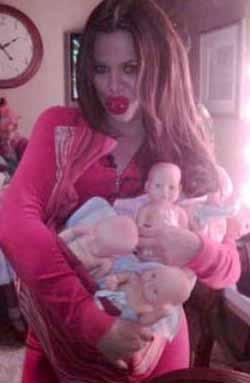 Khloe Kardashian teyze olmaya hazırlanıyor.