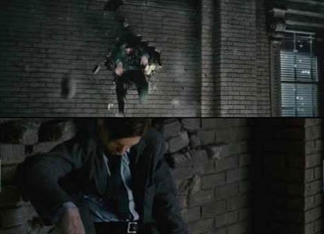 Spider Man 3 (Örümcek Adam 3)   Deliğin Küçülmesi Üstte gördüğümüz resimde sol kolun olduğu tarafa bakarsak deliğin büyük olduğunu ve daha sonra alttaki resme bakarsak deliğin bir anda daraldığını görüyoruz.