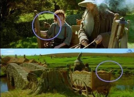 The Lord of the Rings: The Fellowship of the Ring (Yüzüklerin Efendisi: Yüzük Kardeşliği)   At arabasının arkasındaki malzemelerin yer değiştirmesi Gandalf ile Frodo'nun ilk kez karşılaştıkları ve Gandalf'ın arabasıyla kısa bir tur attıkları bölümün başlangıcında Gandalf'ın eşyaları Frodo'nun arkasında, hatta neredeyse sağ omuzuna değecek.(Üstteki resim) Sahnenin devamında ve kameranın arkadan çekime geçtiği kısımda ise Gandalf ile Frodo tam köprüden geçecekken Gandalf'ın malzemelerini vagonun arka kısmında görmek mümkün.(Alttaki resim)