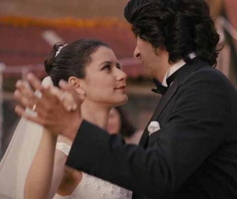 Aşk-ı Memnu ile kariyerinde bir patlama yaşayan Saat, son olarak Fatmagül'ün Suçu Ne dizisinde rol aldı.