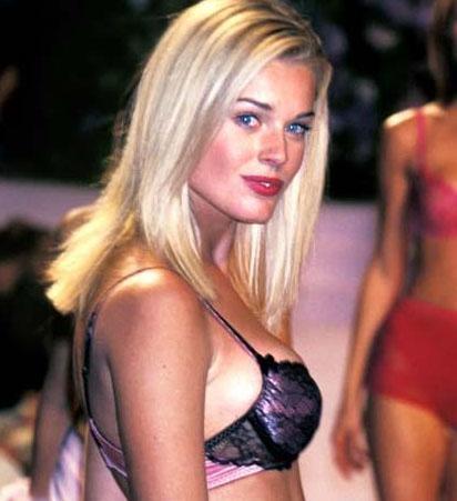 Rebecca Romijn 80'li yıllarda böyle görünüyordu.