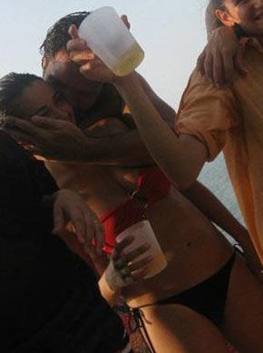 Namal 2010'da da Başar Savur ile yaşadığı aşkla gündeme geldi.