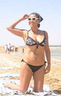 Hülya Avşar yaşı kaç olursa olsun Türkiye'nin güzellik konusundaki en iddialı ünlülerinden biri.