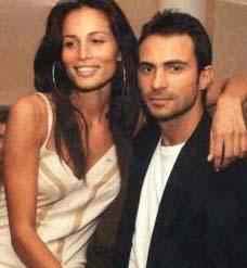 Bir dönem Moris Kohen ile evlilik hazırlıkları yapan Duran, sevgilisiyle birlikte yaşıyordu.