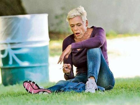 """""""Rocky"""" ve """"Rambo"""" filmlerinin yıldızı Sylvester Stallone'nin eski eşi Danimarkalı model ve oyuncu Brigitte Nielsen, ABD'nin Los Angeles kentindeki halka açık bir parkta aşırı derecede alkollü bir şekilde görüntülendi"""