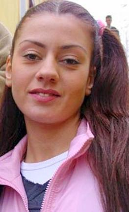Bahadır, seyircinin dikkatini rol aldığı Hayat Bilgisi dizisindeki Törpü Yeliz karakteriyle duyurmuştu.