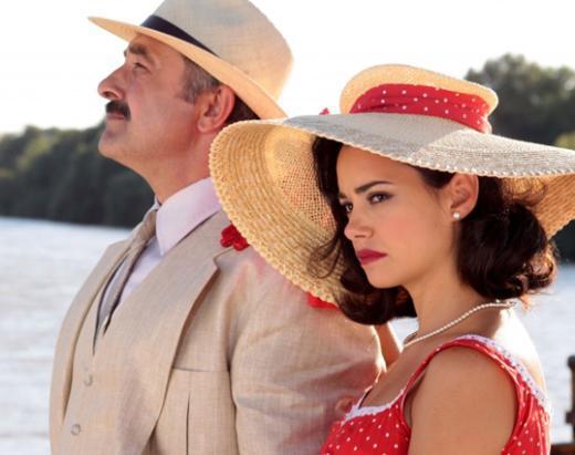 Son olarak Hanımın Çiftliği'nde başrol oynadı. Namal son dönemde Türk sinemasının en çok başrol oynayan yıldızlarından biri aynı zamanda.