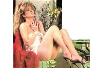 Bir dönem Yeşilçam'ın en aranılan kadın oyuncularından olan Harika Avcı, Türk sinemasının seks sembollerinden biridir. 80'lerin çıkarttığı müzik albümüyle adından söz ettirmeye devam etmiştir.