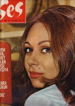 """Pervin Par'ın 1957 yapımı """"Bir Avuç Toprak"""" filmiyle başlayan oyunculuk yaşantısı, 1977 yılındaki """"Çırılçıplak"""" filmiyle sonlanmıştır. Daha sonra İzmir'e yerleşerek çiçekçilik işiyle ilgilenmeye başlamıştır."""