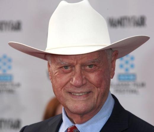 Jr Ewing, Dallas'ın efsane karakteriydi. İlk çevriminde onun vurulduğu gün tüm dünyada hayat durmuştu..