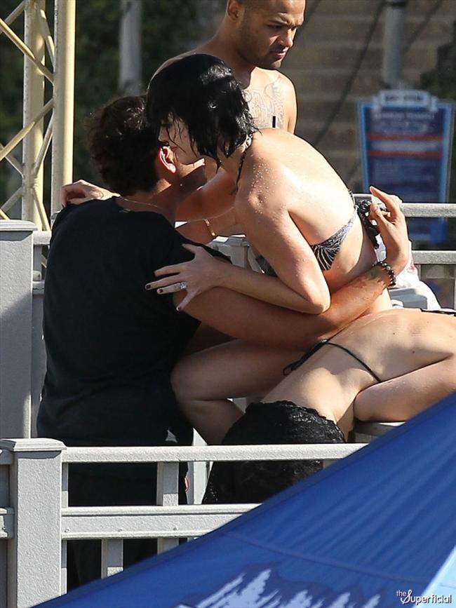 Katy Perry su parkında fena dağıldı - 23