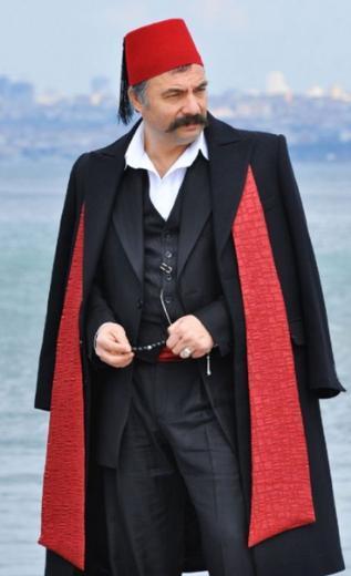 Dizinin yönetmeni Mustafa Şevki Doğan.