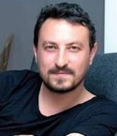 Dizide Sumru Yavrucuk, Tamer Tıraşoğlu, Begüm Birgören, Nesrin Cevadzade, Özge Özpirinçci, Murat Daltaban, Onur Saylak ve Erkan Bektaş rol alıyor.