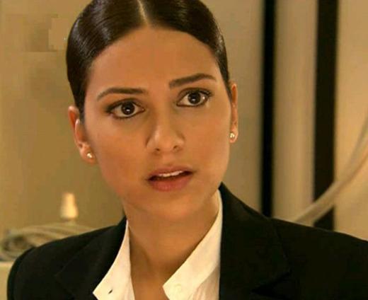 Bu dizide İmirzalıoğlu'na Bergüzar Korel eşlik ediyor. Dizinin yönetmeni Uluç Bayraktar.