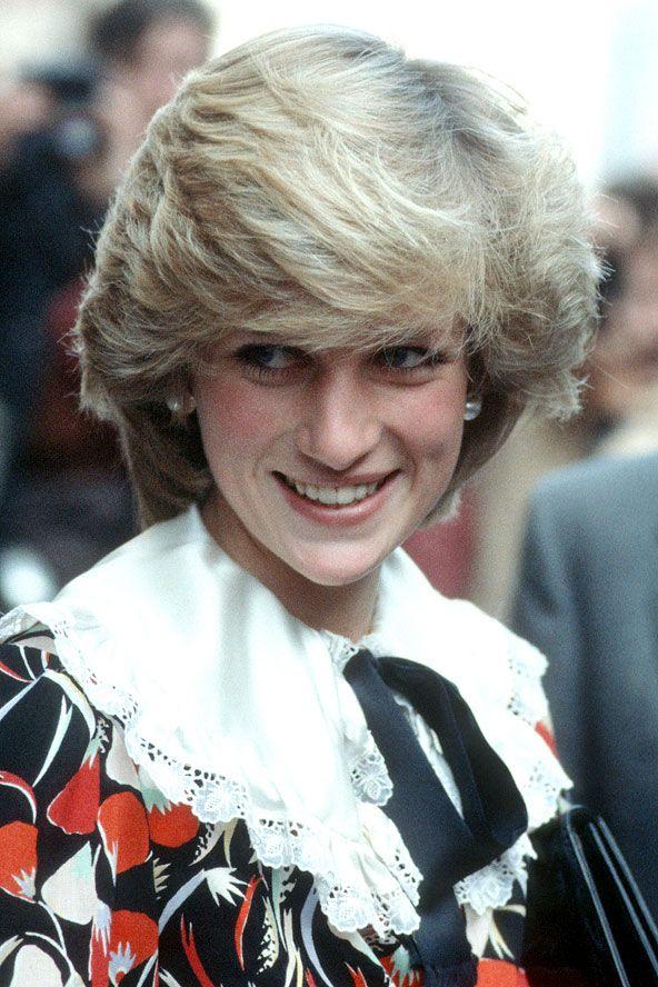 Lady Diana:  1983 Hacimli, uçuşan, kuru ve mahçup olmayan 80'ler.. Sadece hacimlerden ibaret yıllar. Ve bu tarz kesim standartları daha da yükselten bir tarz.