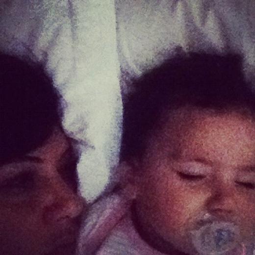 Işın Karaca - Saat sabahın 4ünden beri ayakta olan Mia ve ailesi artık uyuyor