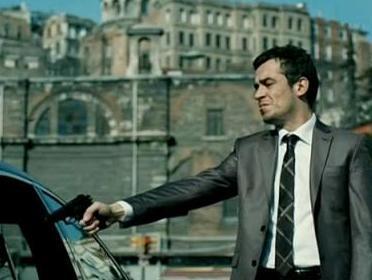 Tugay Mercan geçen sezonun en çok izlenen dizilerinden biri olan Suskunlar'da rol alıyordu.