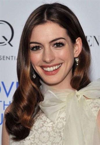 8-Anne Hathaway