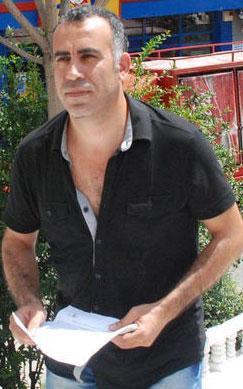Levent, sadece mahkeme günlerinde duruşmalara katılmak için Türkiye'ye geleceğini de söyledi.