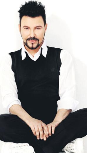 Aydın tam 4 yıl boyunca Türkiye'de müzik piyasasından da ekrandan da uzak kaldı.